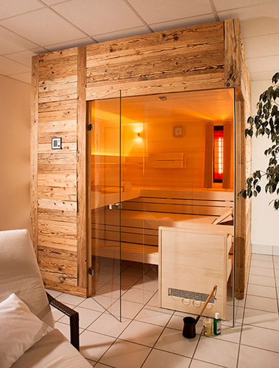 wellness zuhause sauna dampfbad whirlpool infrarotkabine aus luzern. Black Bedroom Furniture Sets. Home Design Ideas
