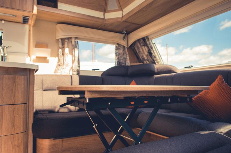 massgeschneiderte matratzen f r wohnwagen und boote. Black Bedroom Furniture Sets. Home Design Ideas