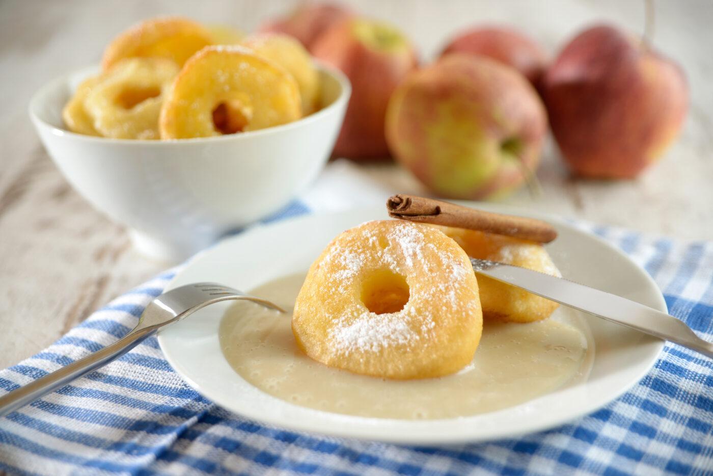 Apfelringe mit Vanillesauce